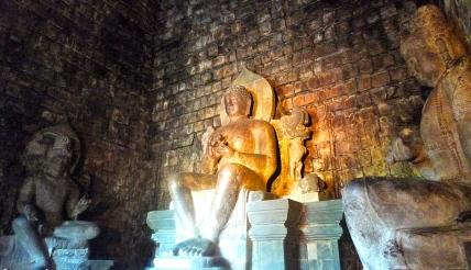 Look at the giant statues, Buddha,  Boddhisatva Avalokitesvara (left), Boddhisatva Vajrapani(Right).