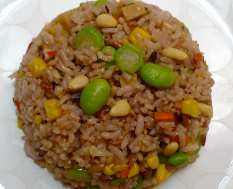 A simple Organic Vegetarian Fried Rice also need so much time for preparation, we must gratitude when we are eating. Be gratitude!