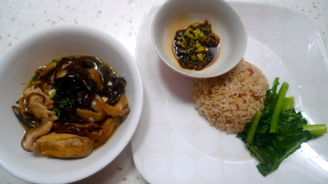 I am always enjoyed my simple home-cook organic meal. It's healthy, tasty and zero burden to body. Live life simple!